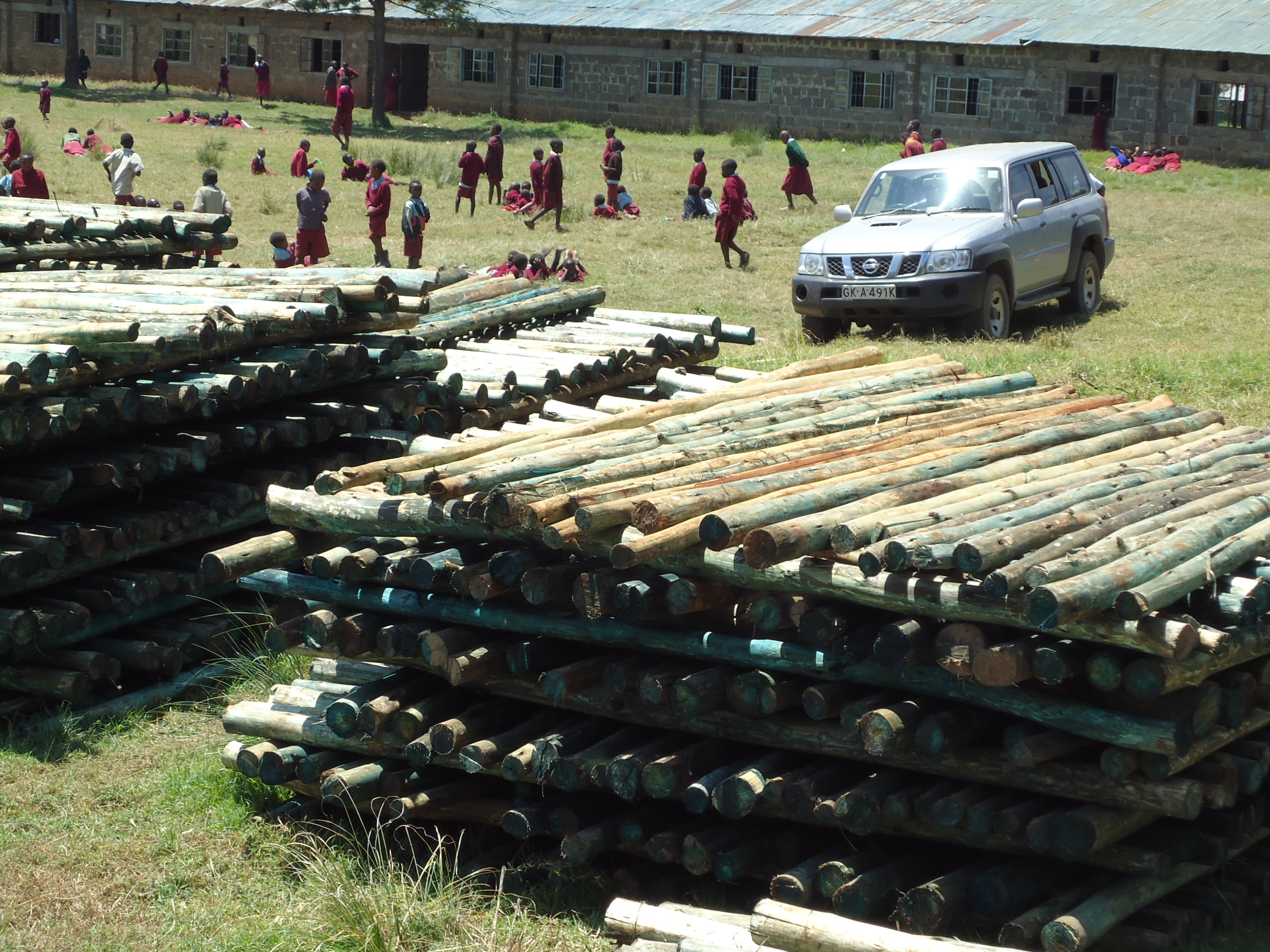 Building materials to be distributed to IDPs