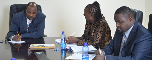From right; Governor's committee for health Chair person His Excellency. Jack Ranguma (left) hold talks with KNCHR Commisioner Ms Suzzane Chivusia and Senior officer Koome Miriti over health devolution matters.